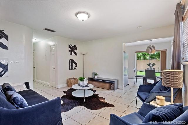 2 Bedrooms, Northeast Coconut Grove Rental in Miami, FL for $2,500 - Photo 2