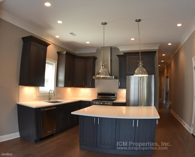 2 Bedrooms, Wrightwood Rental in Chicago, IL for $3,250 - Photo 1