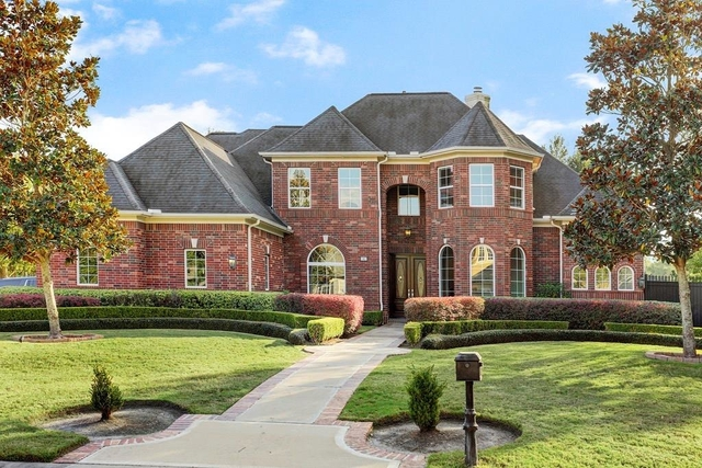 4 Bedrooms, Royal Oaks Country Club Rental in Houston for $6,000 - Photo 1