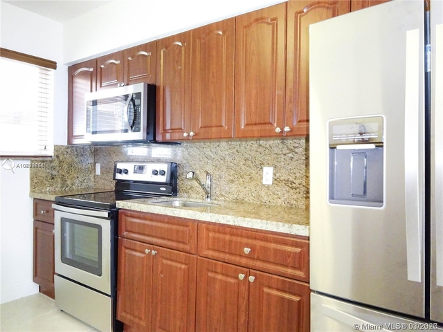 2 Bedrooms, Riverview Rental in Miami, FL for $1,500 - Photo 2