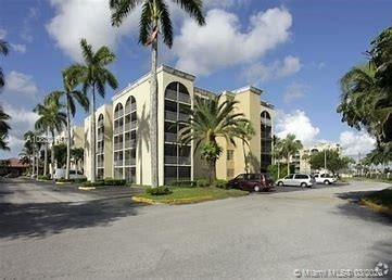 1 Bedroom, Golf Course Towers Rental in Miami, FL for $1,299 - Photo 1