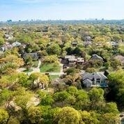3 Bedrooms, Huffhines Hill Rental in Dallas for $2,500 - Photo 2