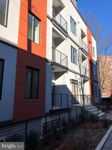 2 Bedrooms, Glover Park Rental in Washington, DC for $3,950 - Photo 1