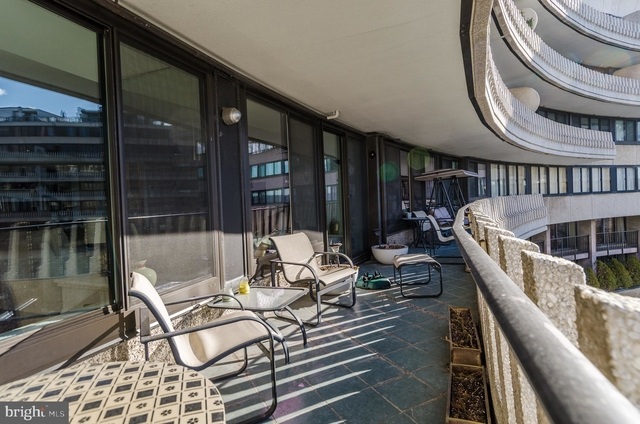 2 Bedrooms, Foggy Bottom Rental in Washington, DC for $7,400 - Photo 2
