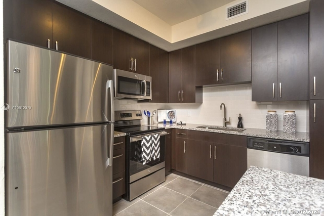 2 Bedrooms, Courts at Tuscany Rental in Miami, FL for $1,894 - Photo 1
