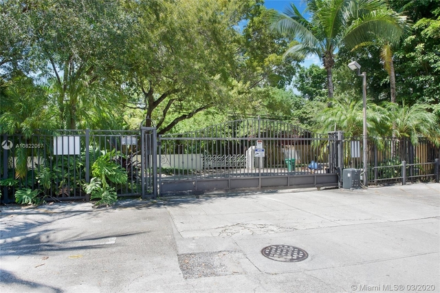 2 Bedrooms, Northeast Coconut Grove Rental in Miami, FL for $1,650 - Photo 2