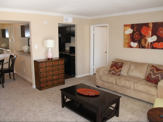 2 Bedrooms, London Lane Townhome Rental in Houston for $1,075 - Photo 1