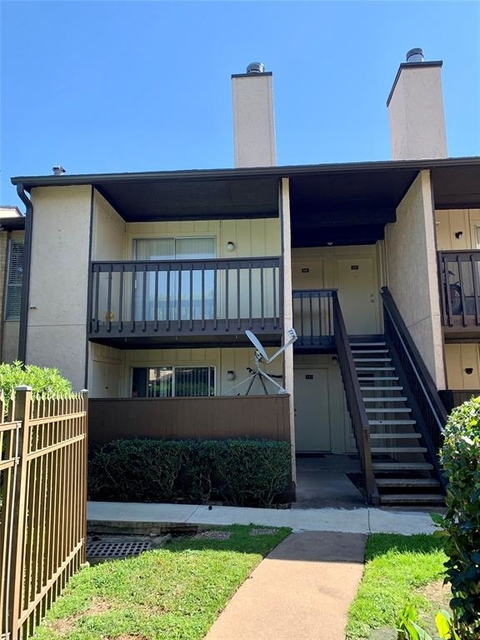1 Bedroom, Baywind Condominiums Rental in Houston for $800 - Photo 1