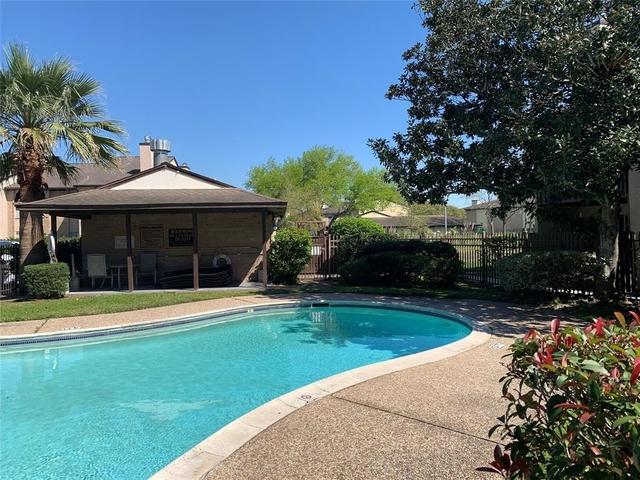1 Bedroom, Baywind Condominiums Rental in Houston for $800 - Photo 2
