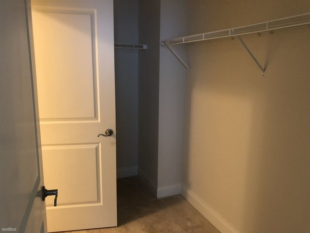 3 Bedrooms, Town Square Rental in Washington, DC for $2,622 - Photo 2
