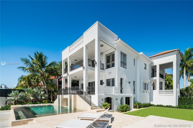 6 Bedrooms, Crystal View Rental in Miami, FL for $35,000 - Photo 1