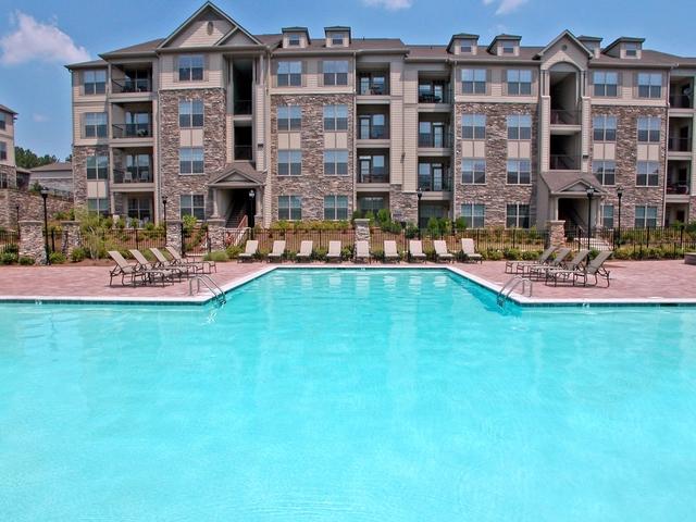 2 Bedrooms, East Cobb Rental in Atlanta, GA for $1,395 - Photo 2