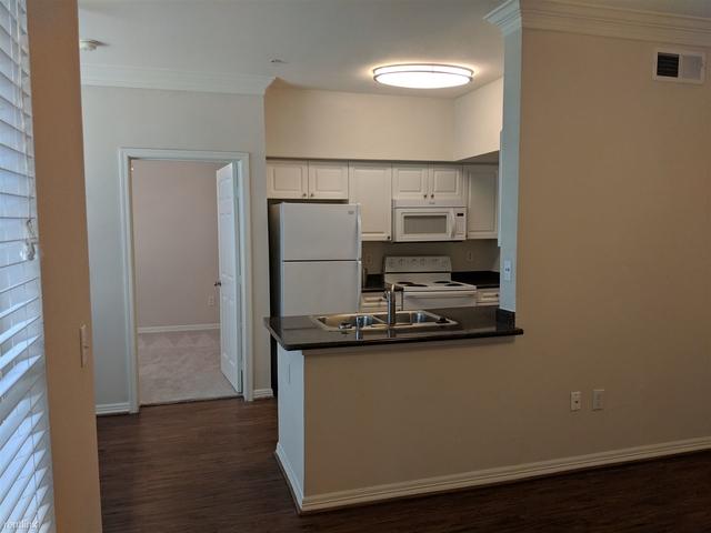 1 Bedroom, Memorial Heights Rental in Houston for $1,228 - Photo 2