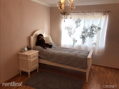 3 Bedrooms, Van Nuys Rental in Los Angeles, CA for $3,400 - Photo 2