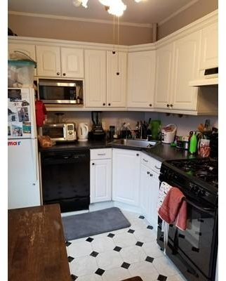 4 Bedrooms, Newtonville Rental in Boston, MA for $3,500 - Photo 1
