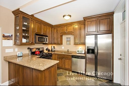 2 Bedrooms, Ravenswood Rental in Chicago, IL for $1,975 - Photo 2