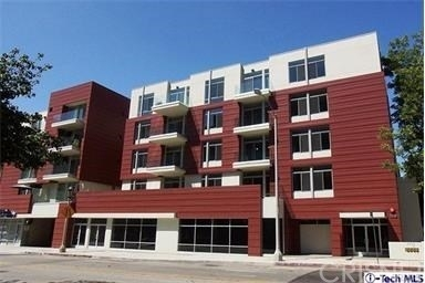 2 Bedrooms, Playhouse District Rental in Los Angeles, CA for $3,195 - Photo 1
