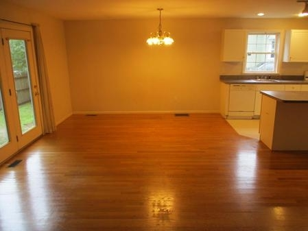 3 Bedrooms, Newton Highlands Rental in Boston, MA for $3,800 - Photo 2