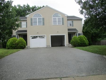 3 Bedrooms, Newton Highlands Rental in Boston, MA for $3,800 - Photo 1