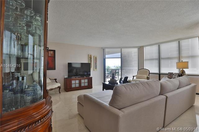 2 Bedrooms, Brickell Rental in Miami, FL for $2,750 - Photo 2