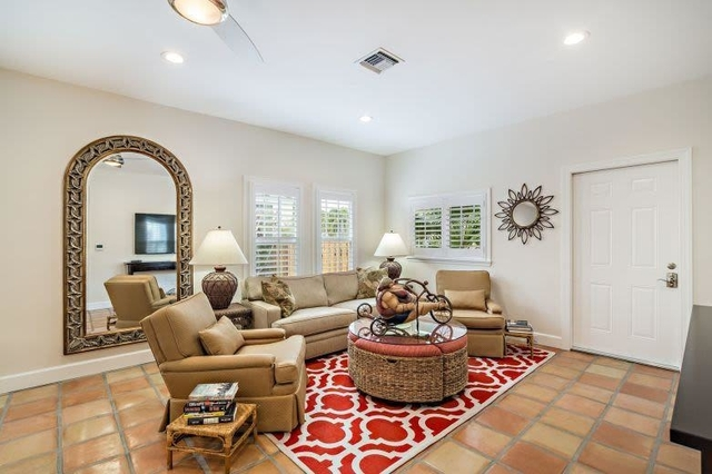 3 Bedrooms, Sunshine Park Rental in Miami, FL for $5,000 - Photo 2