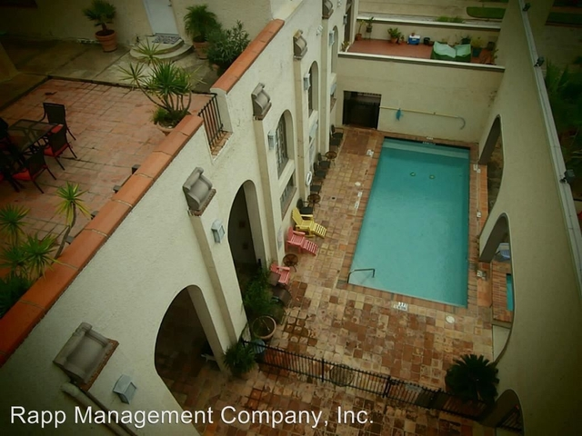 2 Bedrooms, Downtown Galveston Rental in Houston for $1,780 - Photo 2