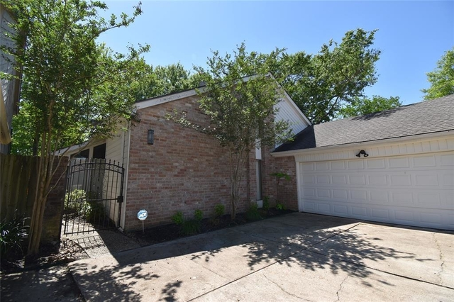 4 Bedrooms, Lakeview Forest Rental in Houston for $2,750 - Photo 2