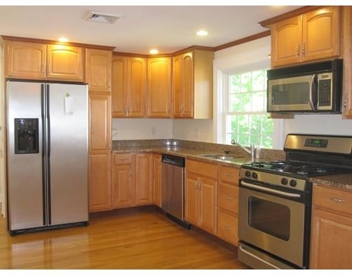 3 Bedrooms, Newton Center Rental in Boston, MA for $3,400 - Photo 1