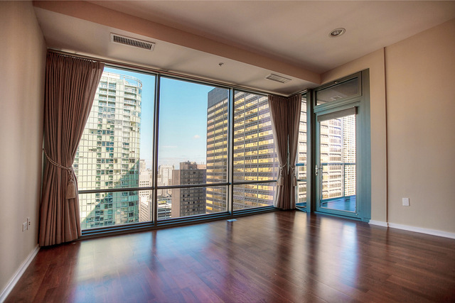 2 Bedrooms, Streeterville Rental in Chicago, IL for $3,950 - Photo 2