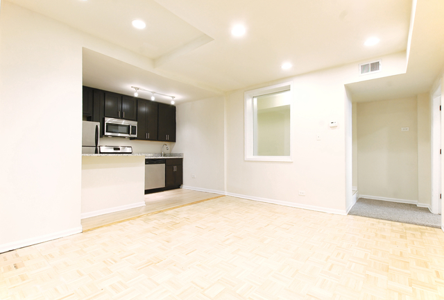 2 Bedrooms, Gold Coast Rental in Chicago, IL for $1,750 - Photo 1