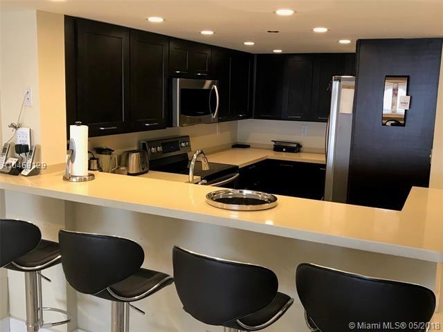 3 Bedrooms, Omni International Rental in Miami, FL for $1,500 - Photo 1