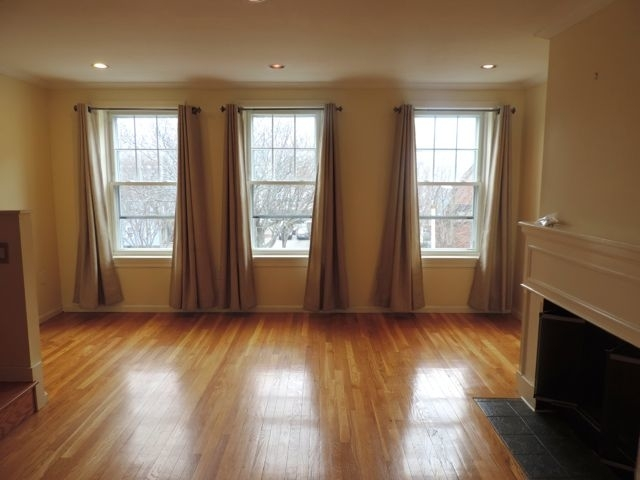 2 Bedrooms, D Street - West Broadway Rental in Boston, MA for $3,500 - Photo 2