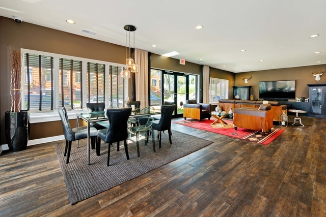 2 Bedrooms, Ravenswood Rental in Chicago, IL for $2,365 - Photo 1
