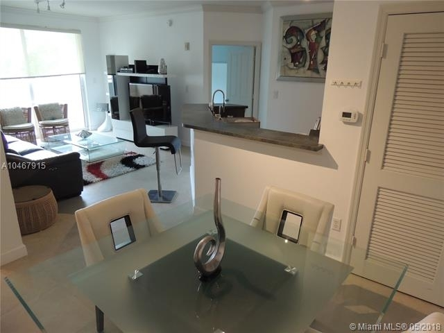 2 Bedrooms, Altos Del Mar Rental in Miami, FL for $2,999 - Photo 2