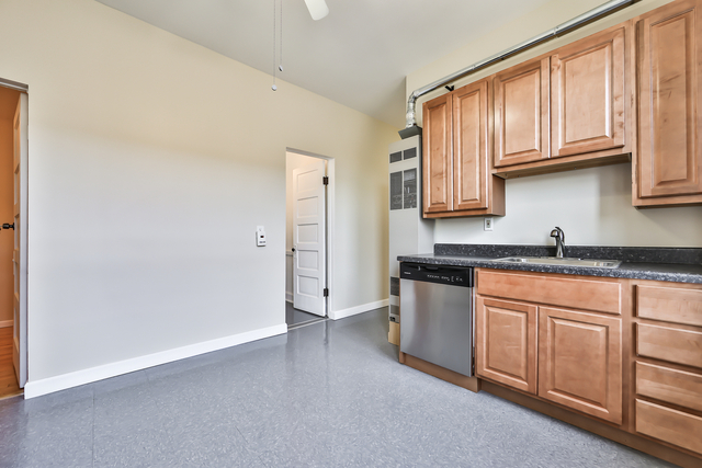 3 Bedrooms, Logan Square Rental in Chicago, IL for $1,500 - Photo 2
