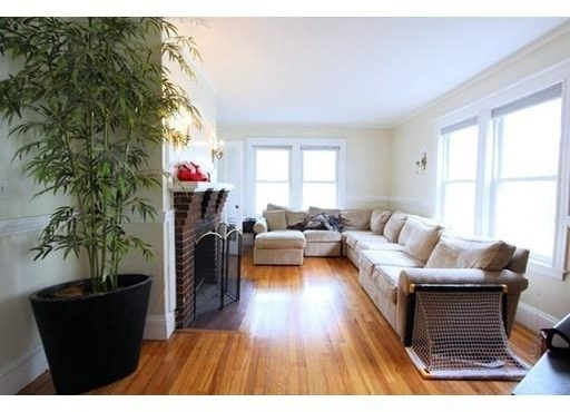 3 Bedrooms, Newton Corner Rental in Boston, MA for $2,600 - Photo 2
