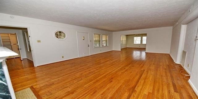 2 Bedrooms, Antilles Condominiums Rental in Dallas for $2,195 - Photo 2
