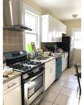 4 Bedrooms, West Somerville Rental in Boston, MA for $3,000 - Photo 2