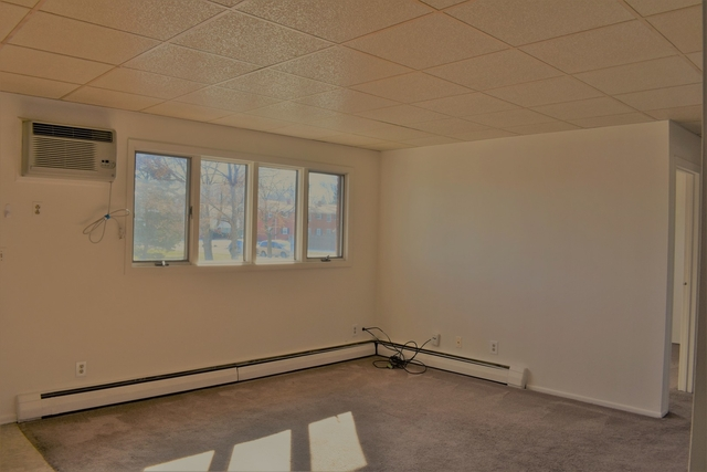2 Bedrooms, St. Charles Rental in Chicago, IL for $1,090 - Photo 2