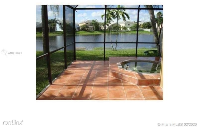 3 Bedrooms, Shenandoah Rental in Miami, FL for $2,400 - Photo 2