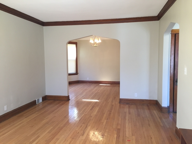 2 Bedrooms, Roseland Rental in Chicago, IL for $975 - Photo 1