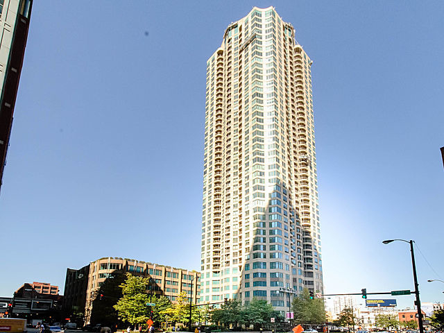 1 Bedroom, River North Rental in Chicago, IL for $2,350 - Photo 1