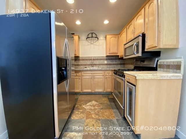 2 Bedrooms, Sherman Oaks Rental in Los Angeles, CA for $2,745 - Photo 1