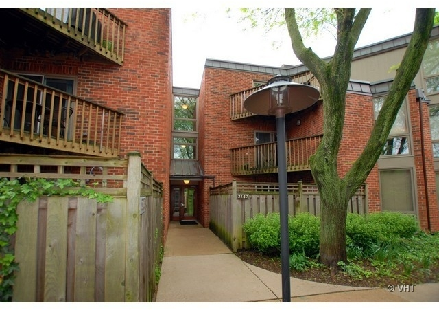 2 Bedrooms, Lincoln Park Rental in Chicago, IL for $2,600 - Photo 1
