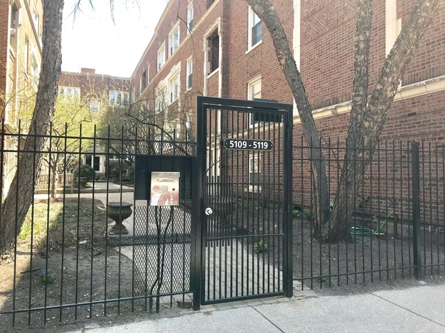 2 Bedrooms, Uptown Rental in Chicago, IL for $1,745 - Photo 2