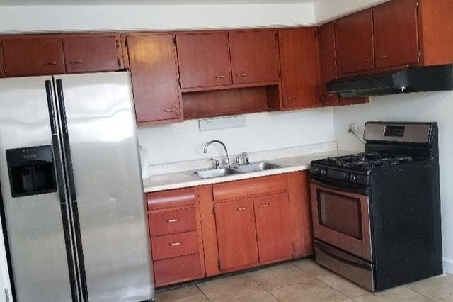 2 Bedrooms, Avalon Park Rental in Chicago, IL for $1,100 - Photo 2