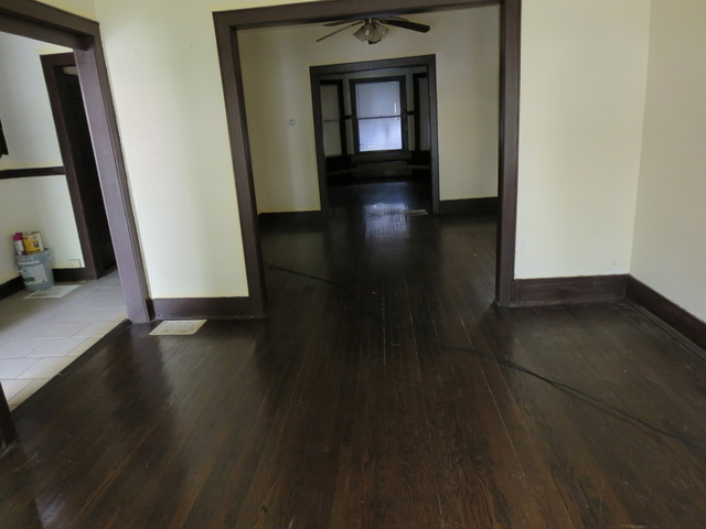 3 Bedrooms, Roseland Rental in Chicago, IL for $1,350 - Photo 2