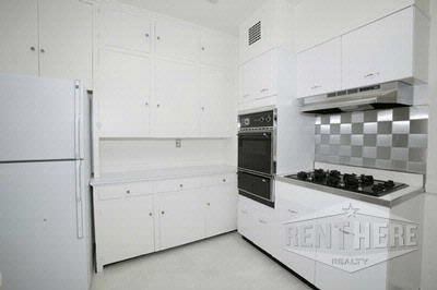 2 Bedrooms, Lake View East Rental in Chicago, IL for $3,170 - Photo 2
