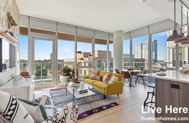 1 Bedroom, Oak Park Rental in Chicago, IL for $2,528 - Photo 1