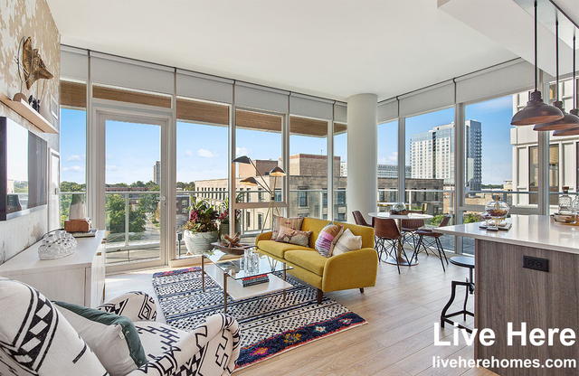 1 Bedroom, Oak Park Rental in Chicago, IL for $2,768 - Photo 1